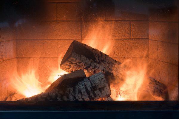 Comment installer un insert de cheminée dans son salon ?
